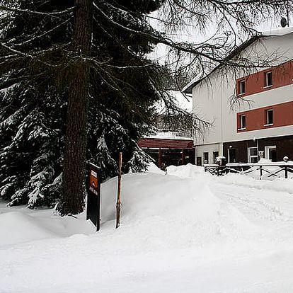 Ubytování pro 1 osobu v Hotelu Zemská brána na 8 dní s polopenzí. Vánoce i Silvestr bez příplatku.