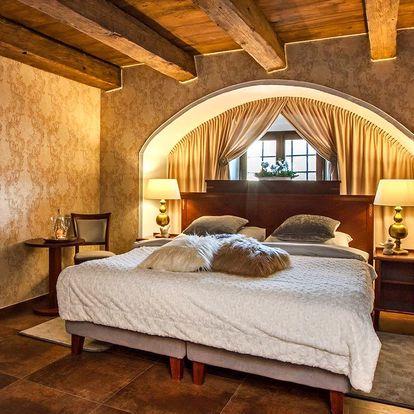 Krásný hotel s nádechem historie v zámeckém areálu