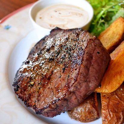 Steak z jelena, panenka či rumpsteak na zámečku