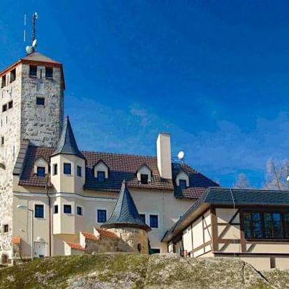 Liberec: originální Hotel Liberecká výšina s polopenzí a vstupem na rozhlednu