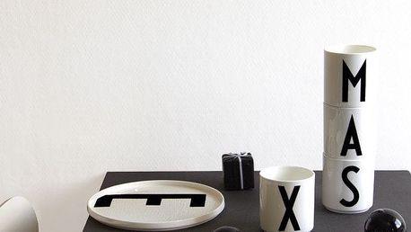 DESIGN LETTERS Porcelánový talíř Letters J, černá barva, bílá barva, porcelán