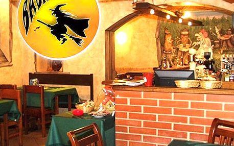 Smažený sýr pro dva s hranolkami a domácí tatarka v restauraci Baba Jaga na Vinohradech.