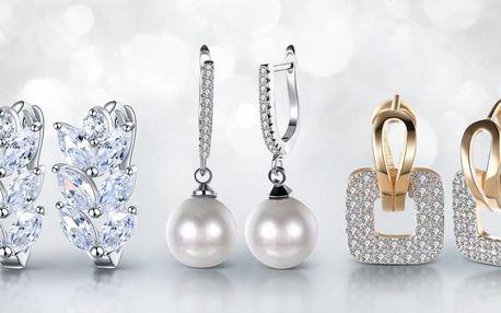 Zářivé a elegantní náušnice i náhrdelník