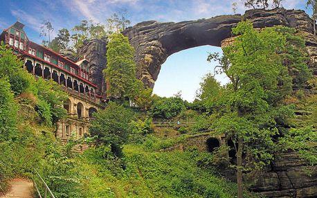 Obdivuhodné České Švýcarsko v historickém hotelu v klidné části Hřenska s neomezenou konzumací vína a dalšími bonusy