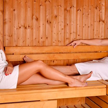 Privátní wellnes pro 2: vířivka, sauna či masáže