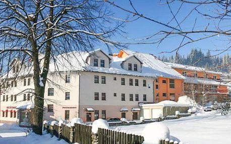 Oravské Beskydy u ski areálu s wellness