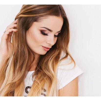 Moderní barvení vlasů včetně regenerace a střihu