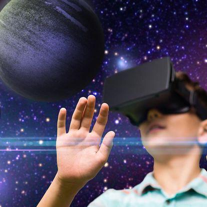 60–120 minut virtuální reality až pro 4 hráče