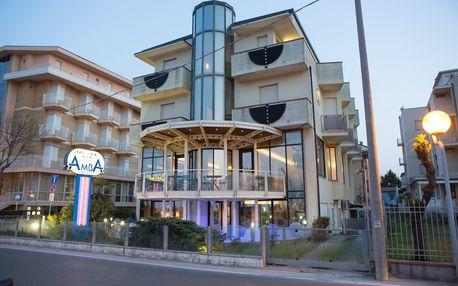 8–10denní Itálie, Rimini | Hotel Amba***+ přímo na pláži | Děti zdarma | Polopenze s nápoji | Balkón a klimatizace zdarma