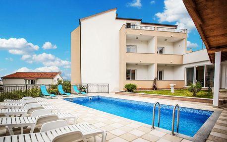 8–10denní Chorvatsko, Seget Vranjica | Pension Villa Jelavić*** 100 m od pláže | Bazén | Polopenze, autobusem nebo vlastní doprava