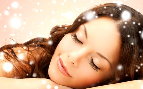 Luxusní ošetření pleti včetně masáže obličeje a rukou