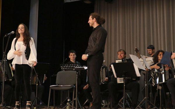Lenka Lo Hrůzová a Slovak Accordion Orchestra