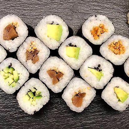 16–56 ks organického sushi s lososem i avokádem