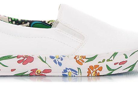 Ctogo GOGO Bílé slip on tenisky SJ8012-2WH Velikost: 39 (25 cm)