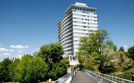 Balatonalmádi, Hunguest Hotel Bál Resort přímo u Balatonu s wellness a