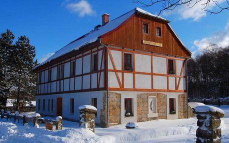Zima a jaro v Českém Švýcarsku s koupelí v kádi