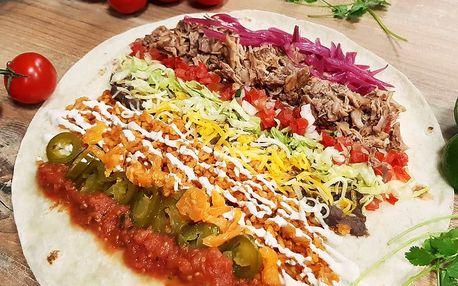 Mexické burrito s trhaným vepřovým masem