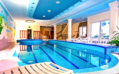 Hévíz v Blue Villa Apartmans s neomezeným wellness, polopenzí a slevami
