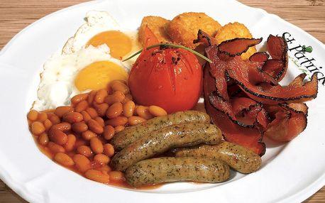 Vydatná irská snídaně se slaninou a volským okem