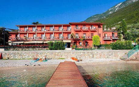 Lago di Garda v hotelu s bazénem