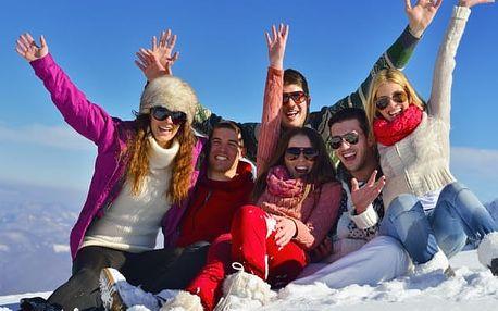 Silvestr na vrcholu Krkonoš - nečekejte na poslední chvíli až bude vyprodáno! Jen 7 km od Sněžky.