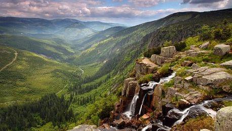 Krkonoše v Hotelu Černá Bouda *** na vrcholu Černé hory s polopenzí a vlekem