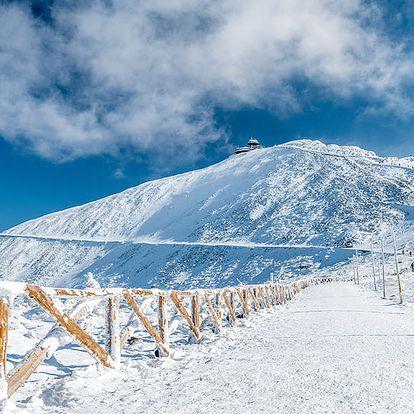 Krkonoše v penzionu kousek od ski areálů Pec pod Sněžkou a Velká Úpa se snídaní, obědem nebo večeří a vstupem do aquaparku
