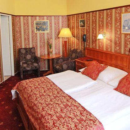 2–3 dny v hotelu se snídaní přímo v centru Prahy
