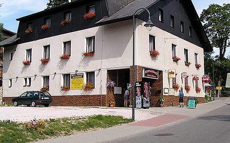 Ubytování s polopenzí a slevami do Sport&Relax centra pro dva v Krkonoších.