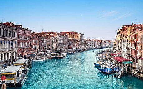 Poznávací zájezd do Benátek pro jednoho náměstí sv. Marka s Dóžecím palácem, řadu kostelů.