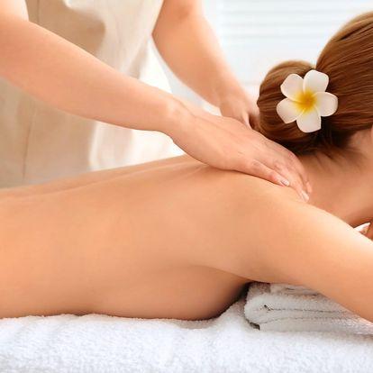 Voňavé masáže: medová nebo vonnou svíčkou