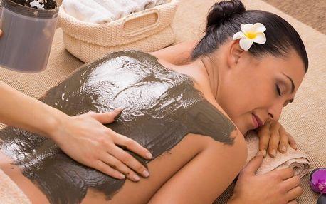 Pryč s bolestí: 75minutová masáž zad, krku a šíje