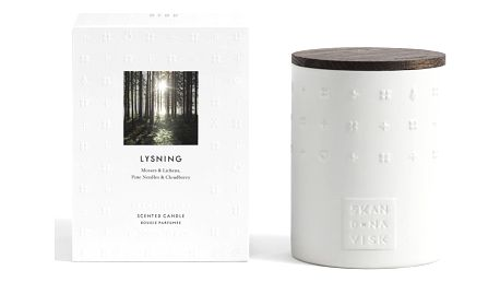 SKANDINAVISK Vonná svíčka LYSNING (lesní mýtina) 300 g, bílá barva, keramika