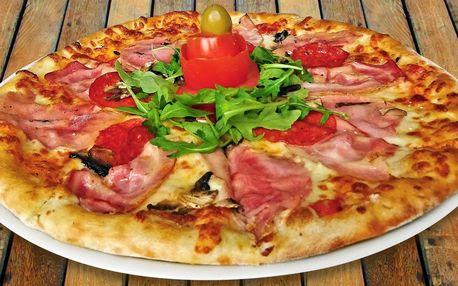 Dvě libovolné pizzy v restauraci přímo na náměstí