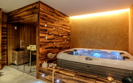 Privátní wellness se saunou a vířivkou až pro 4