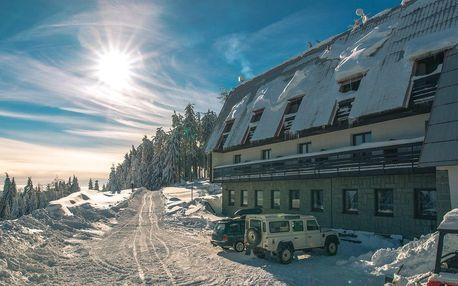Lyžování v Beskydech s polopenzí v Hotelu Kozubová, dítě zdarma
