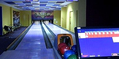 Billiard & Bowling Club