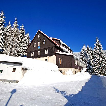 Božské Krkonoše v horském hotelu v Dolních Mísečkách nedaleko sjezdovek s polopenzí