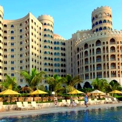 Spojené arabské emiráty - Ras Al Khaimah na 4 až 8 dní, snídaně s dopravou letecky z Prahy, přímo na pláži