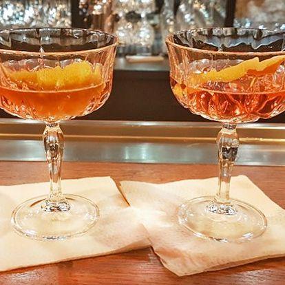 Namíchaná radost: dva drinky Cosmopolitan