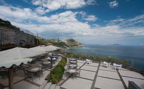 Itálie - Ischia na 8 dní, snídaně s dopravou letecky z Prahy, 350 m od pláže
