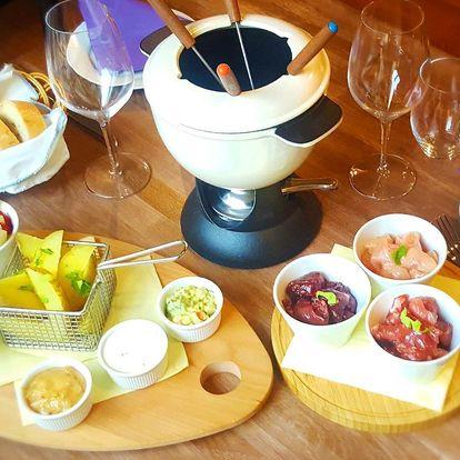 Masové fondue pro 2 v restauraci La Bastille