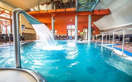 Bešeňová: podzim v Hotelu Flóra s polopenzí a slevou do aquaparků + GOPASS