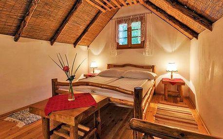 Győr stylově v romantickém bungalovu se snídaní nebo polopenzí a zapůjčením kol + vstup do lázní nebo projížďka na kajaku