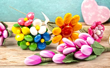 Valentýnské květiny z čokolády i mandlí