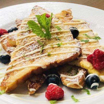 Valentýnská snídaně: sladký French toast a káva