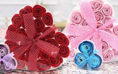 Sada mýdlových květů ve tvaru růží