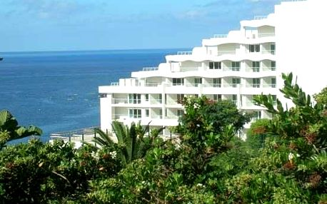 Madeira - Funchal na 8 dní, snídaně s dopravou letecky z Prahy, přímo na pláži