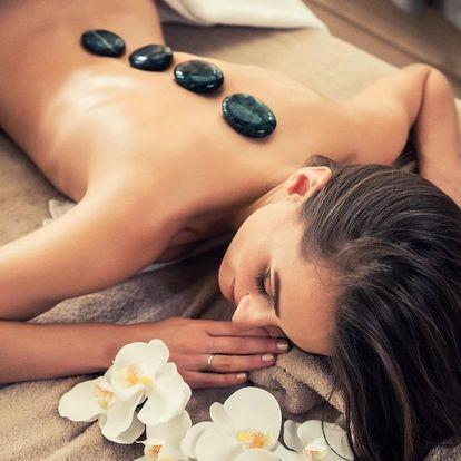 Královská masáž s lávovými kameny a zábalem