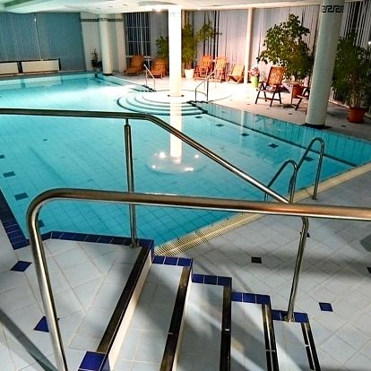 Hodinový vstup pro 2 do bazénu hotelu Prosper v Beskydech